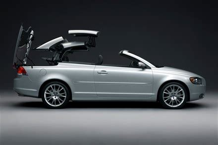 the all new volvo c70 – both a convertible and a coupe