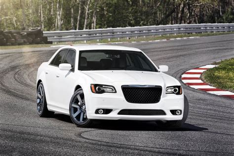 2012 chrysler 300 srt8 horsepower 2012 chrysler 300 srt8 boasts 465 horsepower with new hemi