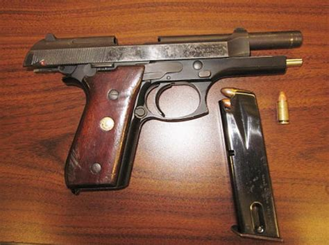 Seling Pistol Gantungan Pistol used pistol swiped by 8 for protection ny