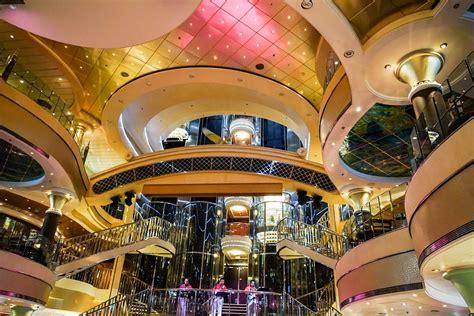 cruise ship interior design  photo  pixabay