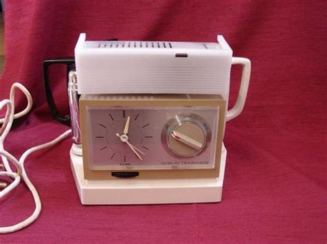 appliances teasmade retro automatic alarm clock and tea maker was sold for r350 00 on 23 apr