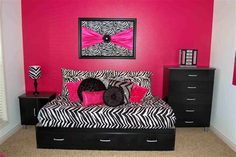 Pink And Black Bedroom Decorating Ideas by More Style Pink And Black Bedroom Decor
