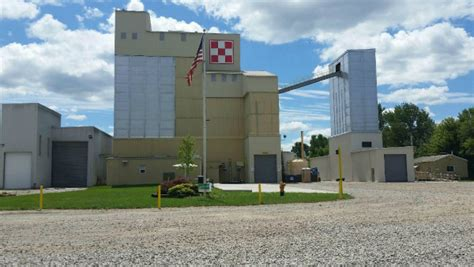 animal feeds purina mills news investment in iowa feed plant purina