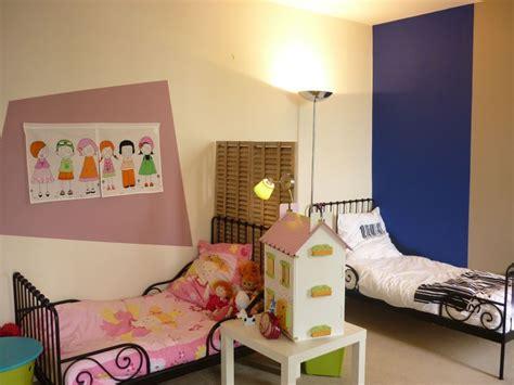 deco chambre jumeaux fille gar輟n d 233 co chambre jumeaux