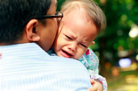 comforting a crying baby toddler comfort today s parent