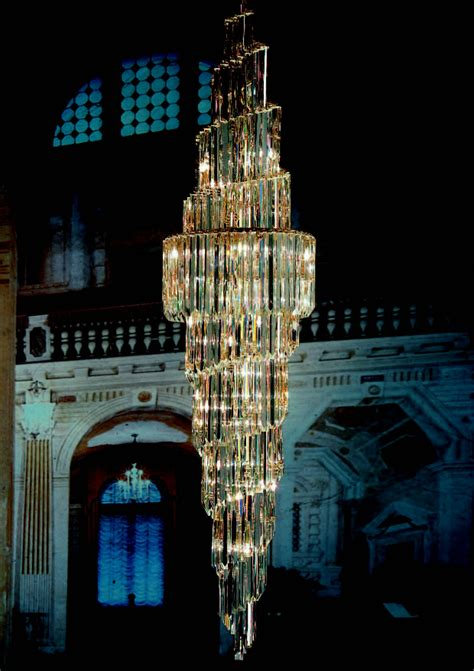 most beautiful chandeliers the most beautiful chandeliers you ll see boca do