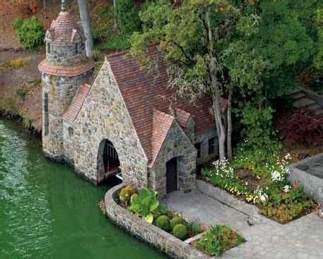 stone boat house stone boat house floating homes pinterest sch 246 ne