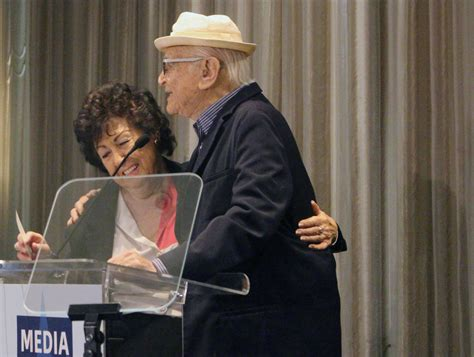 norman lear facebook norman lear receives standing ovation at media access