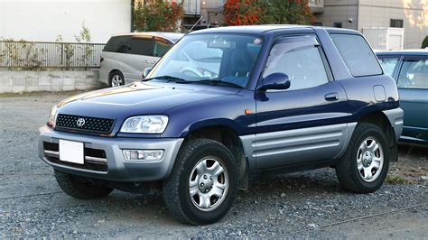 file toyota rav4 001 jpg wikimedia commons