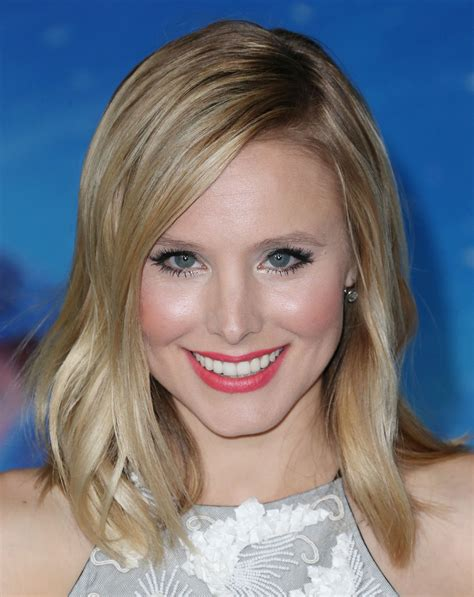 kristen bell medium straight cut edgy chic kristen bell kristen bell hairstyles kristen bell medium wavy cut