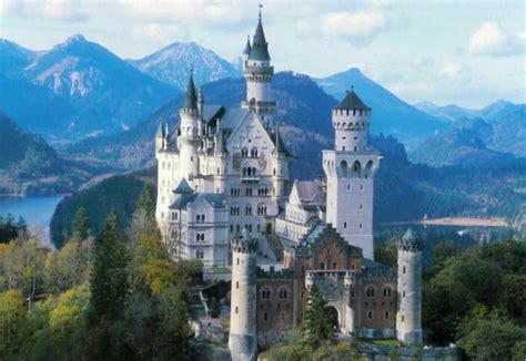 beautiful castles 10 most beautiful castles in europe
