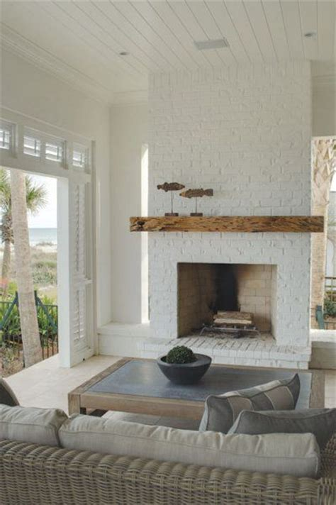 White Painted Fireplace by 1000 Ideas About White Fireplace Mantels On