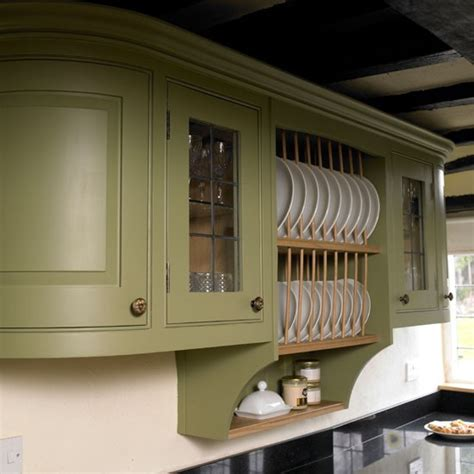 bespoke country kitchen housetohome co uk bespoke cupboard step inside this period country kitchen
