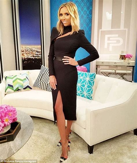 why is guliana rancic wearing a wig why is giuliana rancic wearing a wig giuliana rancic steps