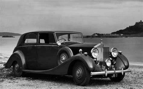 imagenes blanco y negro de autos twittear