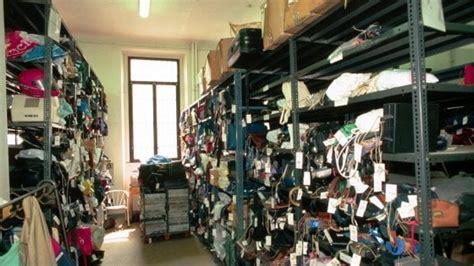 ufficio oggetti smarriti genova passeggini passaporti bancomat e stelle quei 17mila