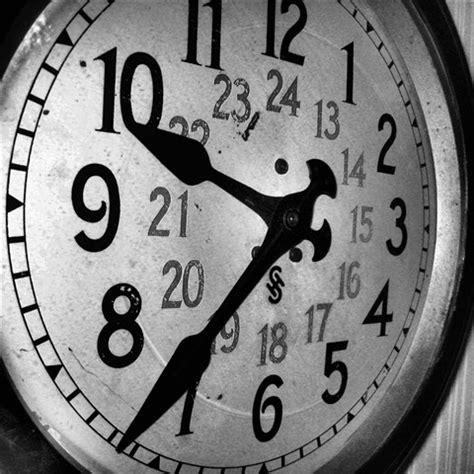 old train station clock: holtk01: galleries: digital