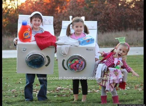 Handmade Costume Ideas - family costumes that prove dressing up is not