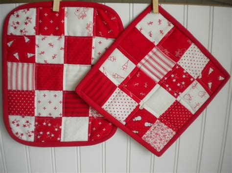 Free Quilted Potholder Pattern by Quilted Potholder Tutorial Patterns To Try