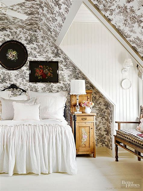 cottage style wallpaper best 25 cottage style bedrooms ideas on