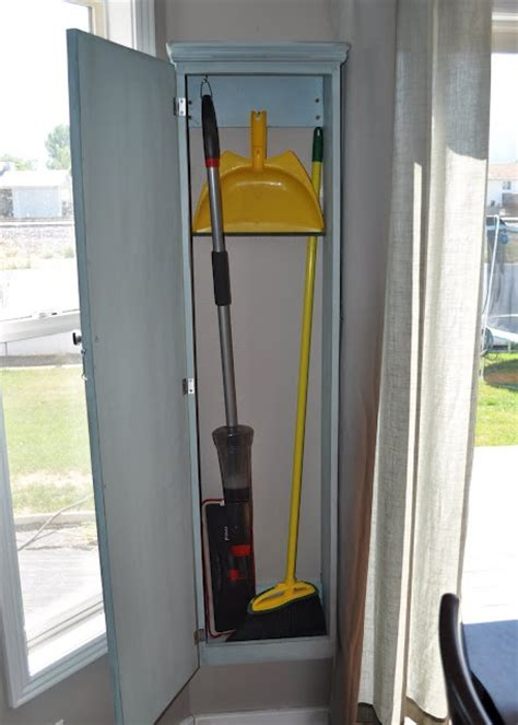 Mop Closet by 17 Best Ideas About Broom Storage On Laundry