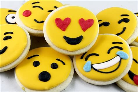 cookie emoji smiley emoji sugar cookies