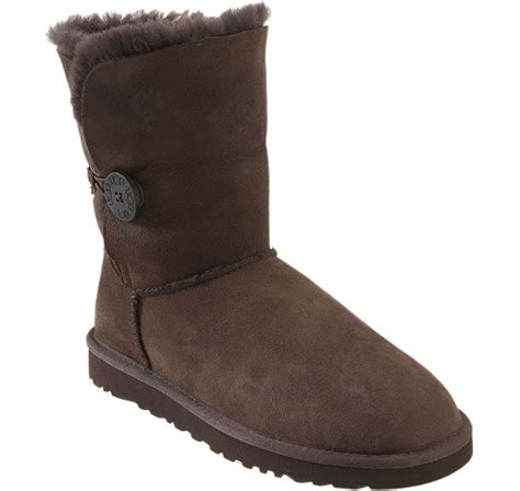 what colors match brown uggs