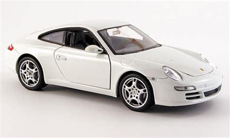 Diecast Miniatur Replika Mobil Porsche 911997 S Coupe porsche 997 s white welly diecast model car 1 24