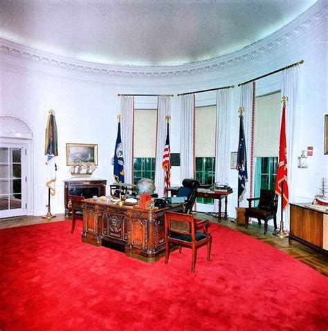 new oval office rug while she and jfk were in texas jackie used the away time