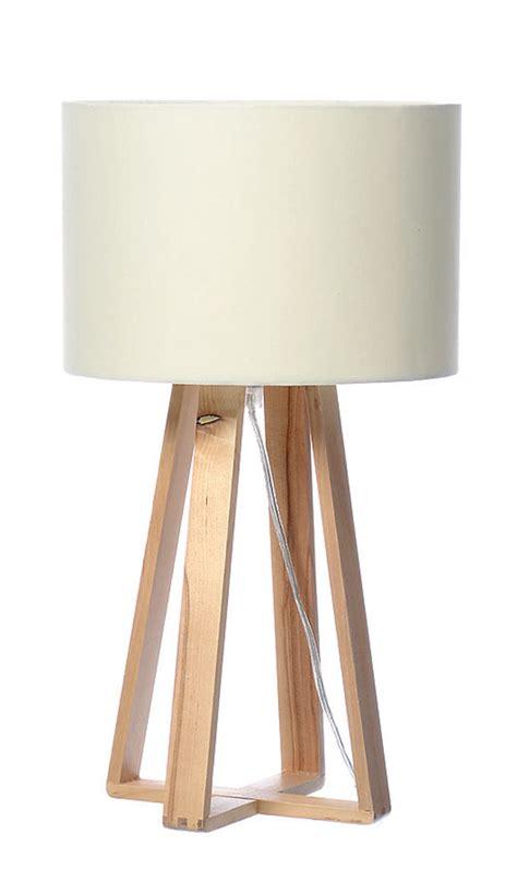 tischleuchte skandinavisch tischle holz wei 223 40cm hoch skandinavisch tischleuchte