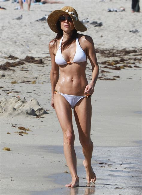celebrity bethenny frankel bethenny frankel hollywood s hottest moms in bikinis