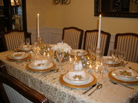 how to set a christmas table gold and silver christmas table setting holidays
