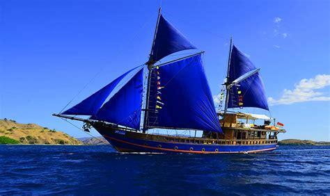 moana classic komodo liveaboard scuba diving boat - Moana Dive Boat