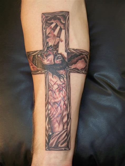 jesus christ on the cross tattoo design cross tattoos on forearm tattoos of crosses