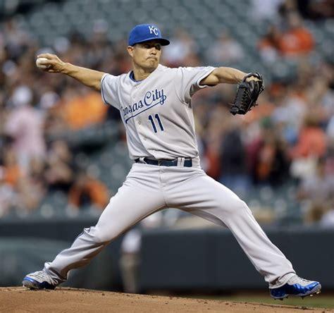 Jeremy Guthrie Turns Nike Foamposites Into Baseball Cleats   Kicksologists.com