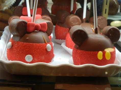 Apple Mickey Mouse Mickey And Minnie Mouse Apples By Flowerphantom On Deviantart