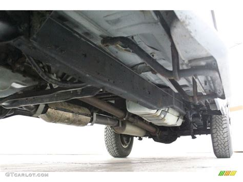 1996 Ford F250 XLT Extended Cab Undercarriage Photo