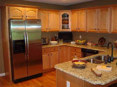 Kitchen Colors That Go With Oak Cabinets by Honey Oak Cabinets With Stainless Steel Appliances