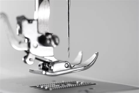 how do they dogs what are sewing machine feed dogs and how do they work