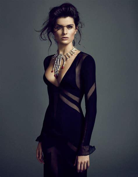 New Motif Fashion Catherine Set 4 In 1 Sv isabeli fontana sergi pons el pais damsel in black