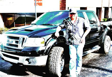 toby keith ford truck man toby keith helps sell chuck s truck ty kelly chuck