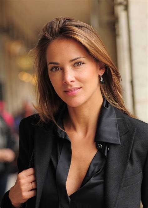 women newscaster hairstyles 32 best melissa theuriau images on pinterest beautiful