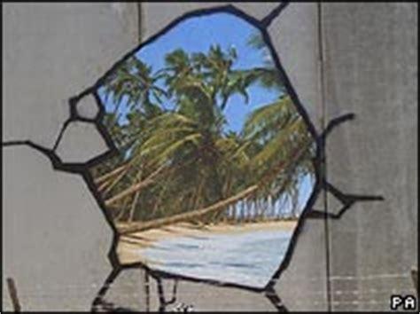Graffiti 05 Uk Series mundo cultura banksy quot ataca quot en disneylandia