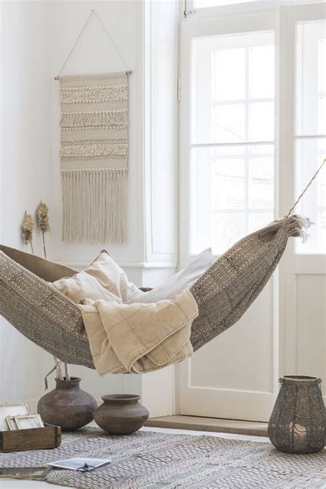 Hammock Bed Indoor by Best 25 Hammock Bed Ideas On