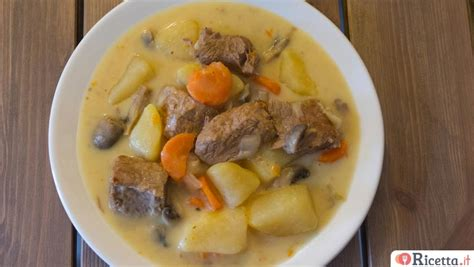 cucinare spezzatino con patate ricetta spezzatino di vitello con patate ricetta it