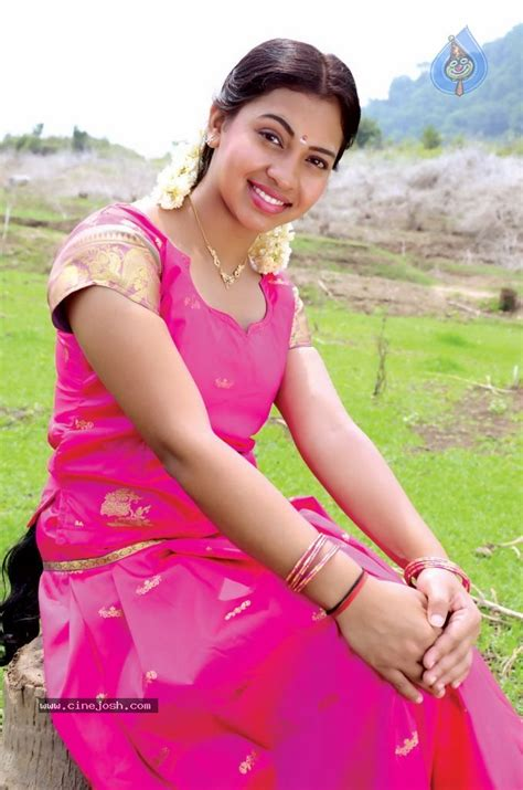 film bagus 21 semi hot padikira vayasula tamil movie hot stills photo 22 of 32