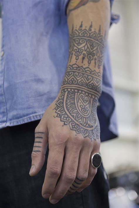 henna tattoo hand man best 25 henna ideas that you will like on
