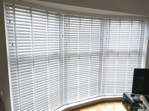 Window Shade Venetian Blinds by 17 Best Ideas About Bay Window Blinds On Bay