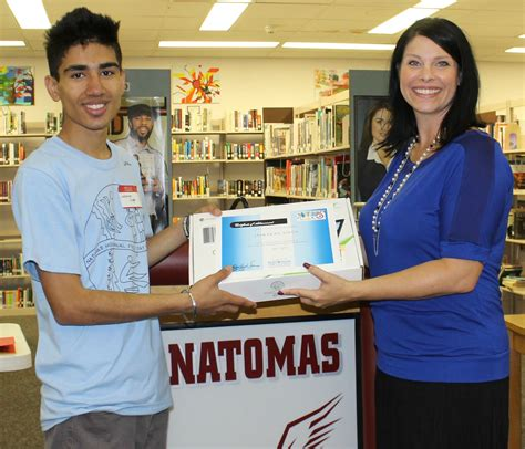 anatomas ntimas natomas ca two seniors awarded chromebooks for college the natomas buzz