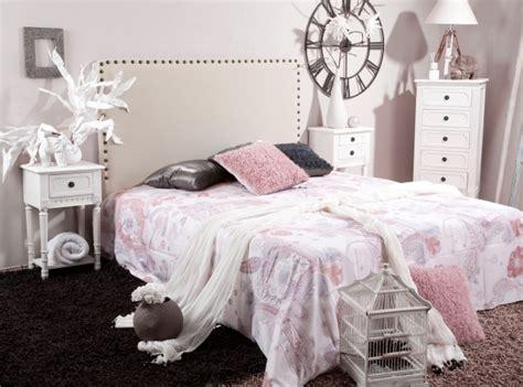 Impressionnant Table De Chevet Style Romantique #9: Déco-chambre-romantique-Shabby-Chic-accents-vintage.jpg